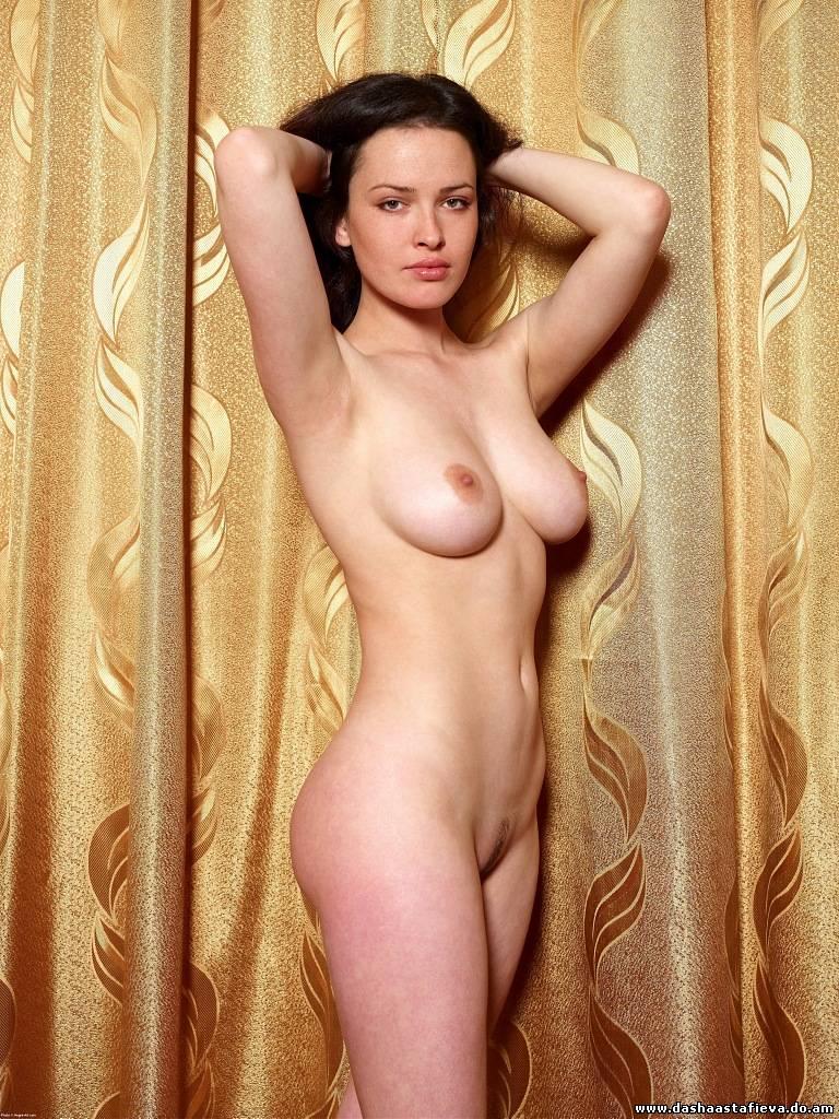фотопортал голых знаменитостей
